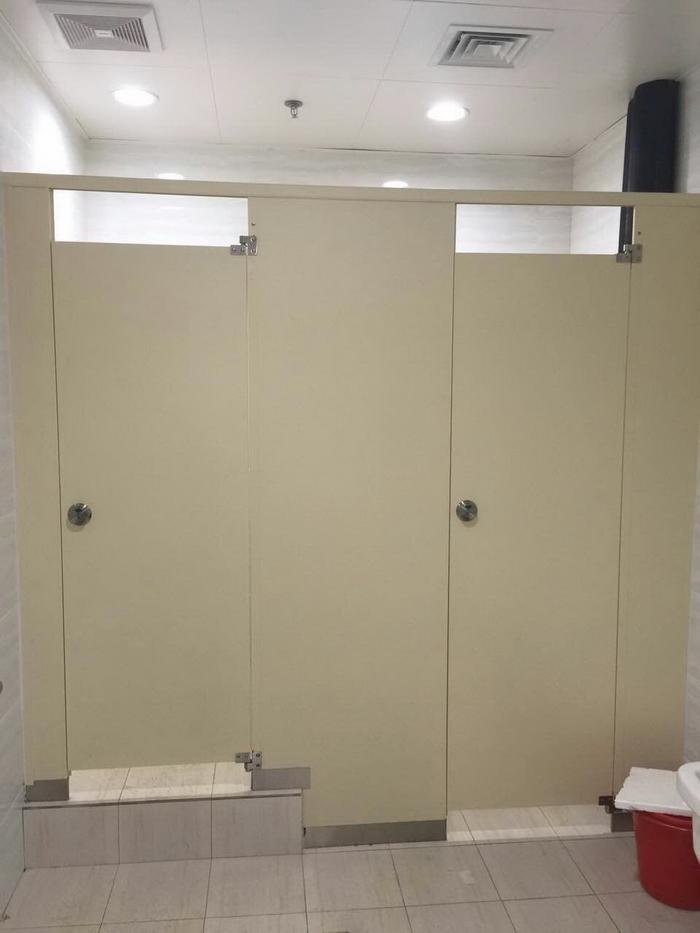 卫生间隔断有哪些材料?常见材料简介